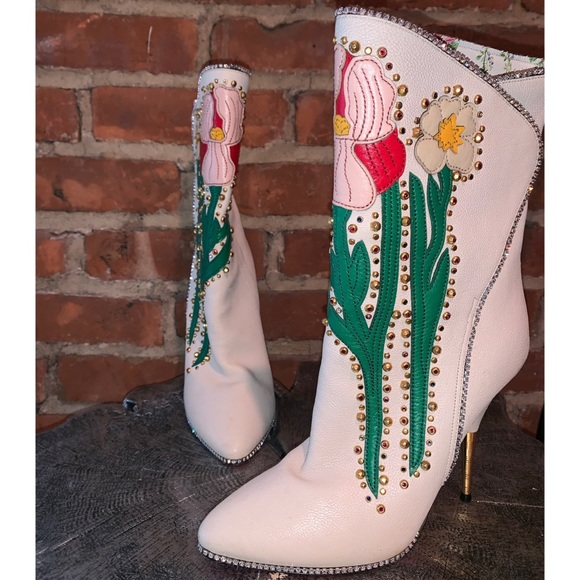 Gucci Shoes - Gucci Fosca Floral-Embroidered Leather Boots
